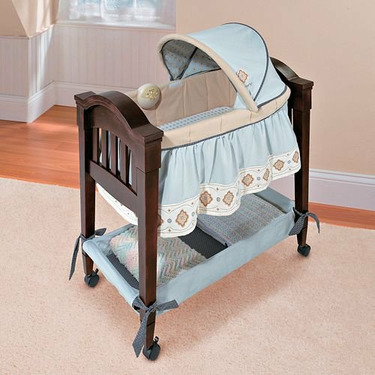 Summer Infant 80840 Classic Comfort Wood Bassinet