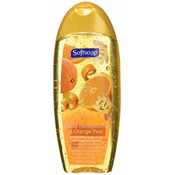 Softsoap Body Wash in Sweet Honeysuckle and Orange Peel