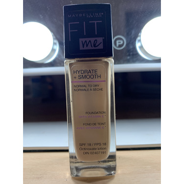 Maybelline New York Fit Me Hydrate + Smooth Foundation
