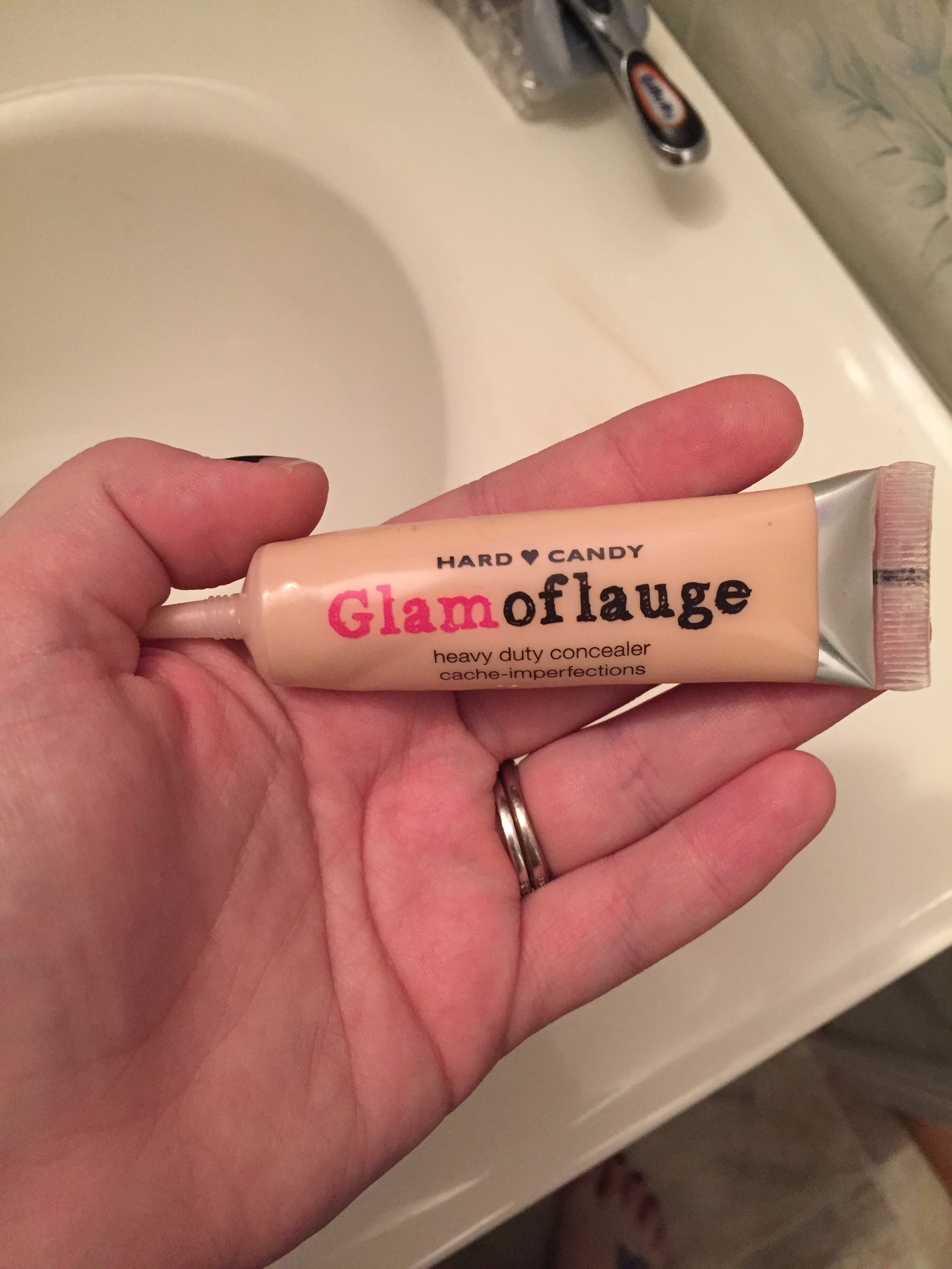 Hard Candy Glamoflauge Heavy Duty Concealer reviews in Concealer ...