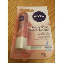 NIVEA Pearly Shine Lip Balm