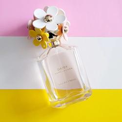 Marc Jacobs Daisy Eau So Fresh Perfume