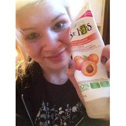 St. Ives Apricot Scrub Blemish & Blackhead Control