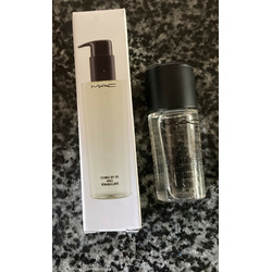 MAC Cosmetics Cleanse Off Oil