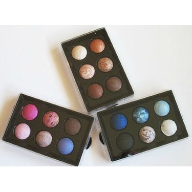 Wet n Wild Limited Edition Baked Eyeshadow Palette (Holiday 2011)