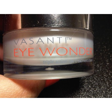 Vasanti Cosmetics EYE WONDER - Triple Action Peptide Eye Cream