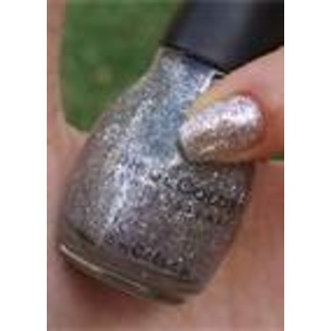Sinful Colors nail polish in Queen Of Beauty