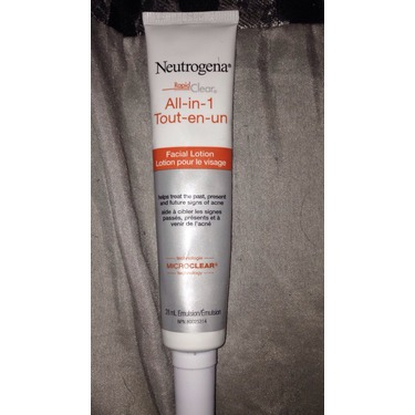 Neutrogena Rapid Clear all-in-one Facial lotion