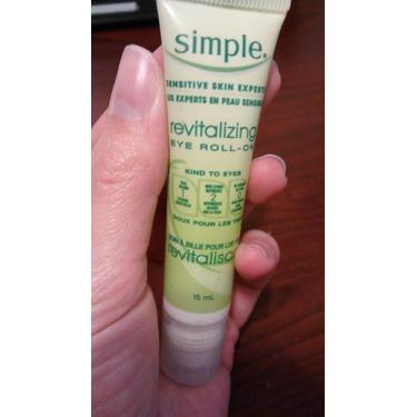 Simple Revitalizing Eye Roll-On