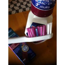 Oral-B 3D White Vivid Toothbrush