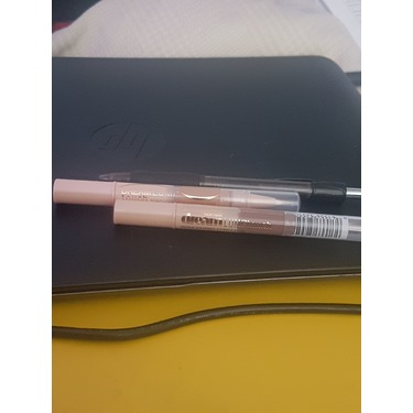 Maybelline New York Dream Lumi Touch Highlighting Concealer