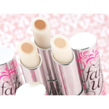 Benefit Cosmetics Fake Up Concealer