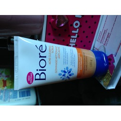 Biore Acne Clearing Scrub