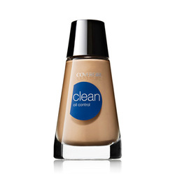 CoverGirl Clean Oil-Control Liquid Makeup