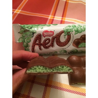NESTLE AERO Peppermint Milk Chocolate Bubble Bar