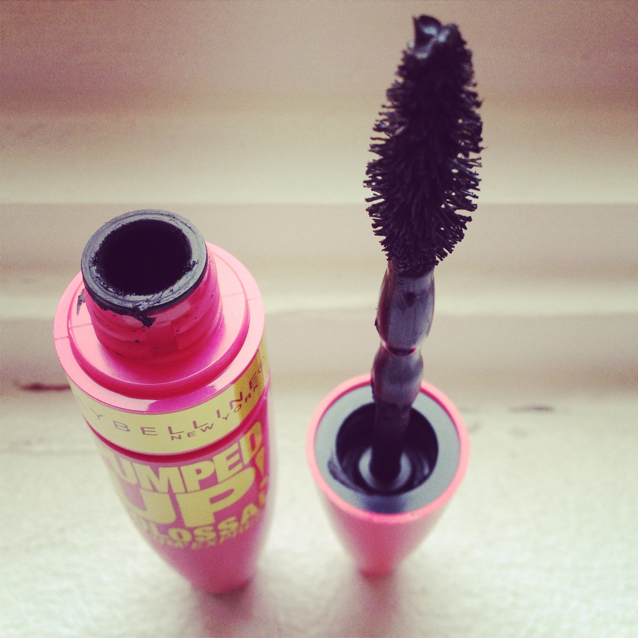 653d8150317 Maybelline Volum' Express Pumped Up! Colossal Mascara reviews in ...