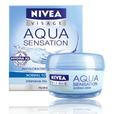 NIVEA Aqua Sensation Invigorating Day Care