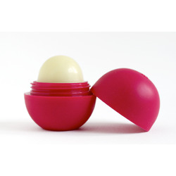 eos Organic Sphere Lip Balm in Pomegranate Raspberry