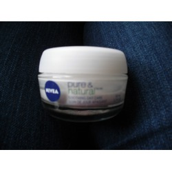 NIVEA Pure and Natural Soothing Day Care Cream
