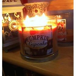 Bath & Body Works 3 Wick Candle in Pumpkin Cupcake
