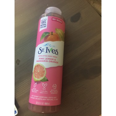 St. Ives Even & Bright Pink Lemon & Mandarin Orange Body Wash