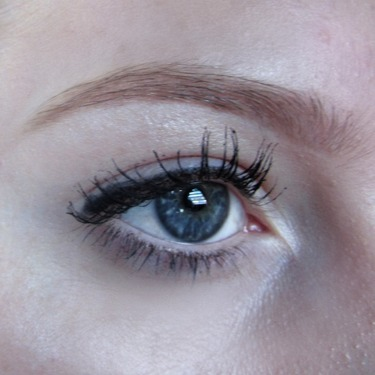 L'Oreal Paris Voluminous Miss Manga Mascara