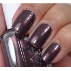 Essie Nail Polish in Sable Collar