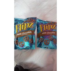 Flipz white fudge pretzels