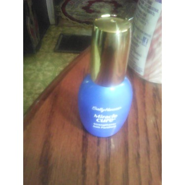 Sally Hansen Miracle Cure Nail Strengthener