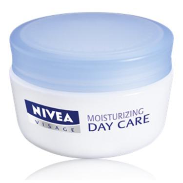 NIVEA Moisturizing Day Care