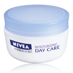 NIVEA Moisturizing Day Care