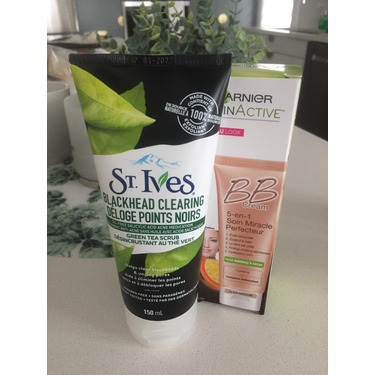 St. Ives Blackhead Clearing Green Tea Scrub
