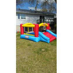 Little tikes jump n slide bounce house