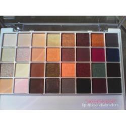 e.l.f. Studio Beauty School 32 Piece Eyeshadow Palette Weekender
