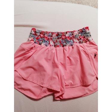 Lulu lemon tracker2 shorts 4 way stretch