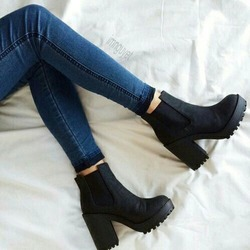 Topshop BOBBY Chelsea Boots