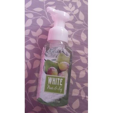Bath & Body Works Gentle Foaming Hand Soap in White Pear & Fig