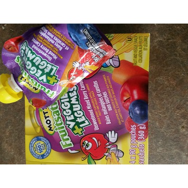 Mott's Fruitsations +Veggies Mixed Berry Carrot