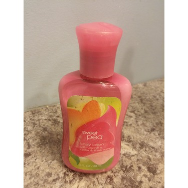 Bath & Body Works Signature Collection Sweet Pea Body Lotion