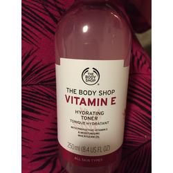 The Body Shop Vitamin E Hydrating Toner