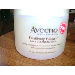 Aveeno Positively Radiant Daily Cleansing Pads