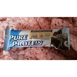 Pure protein dark chocolate and coconut bar