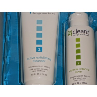 24 Clear it Active Exfoliating Cleanser