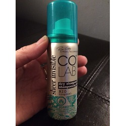 COLAB Sheer Invisible Dry Shampoo in Rio Tropical