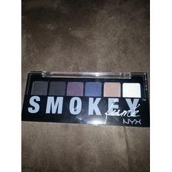 NYX smokey shadow palette