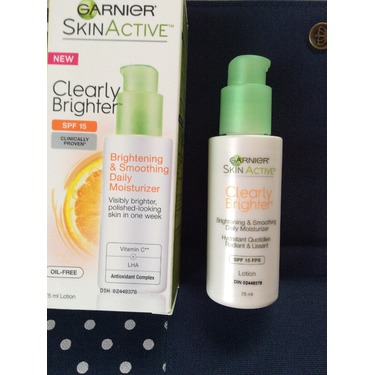 Garnier SkinActive Clearly Brighter Brightening & Smoothing Moisturizer