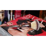 It Cosmetics Live Beautifully All Over Brush 211