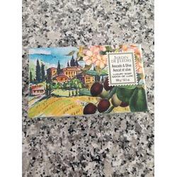 Jardin de Fleurs avocado & olive luxury soap