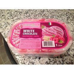 Fantasia Gelati- white chocolate raspberry swirl