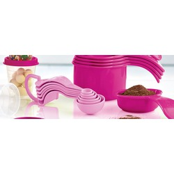 Tupperware Measuring cups and spoons